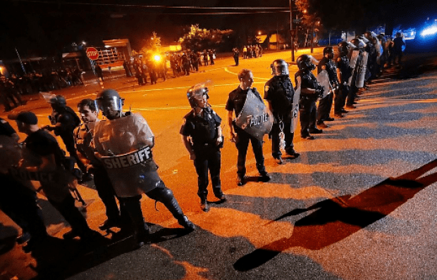 Anti-riot activitieas during protests in Memphis over police killing of Brandon Webber