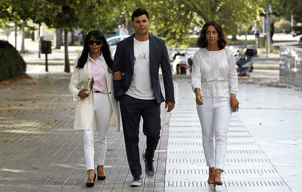 Maria Edite [left], her son Javier Sanchez-Santos [center] and his girlfriendChiara 1