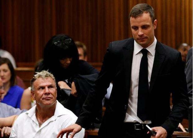 Mark Batchelor looks on at Oscar Pistorius in court 2.JPG