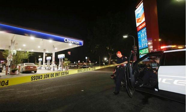 Quadruple murderer killed a man at this Chevron gas station.JPG