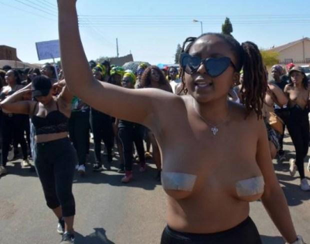 The female studentsat Tshwane University of Technology's Soshanguve campus, marching to the police station 2