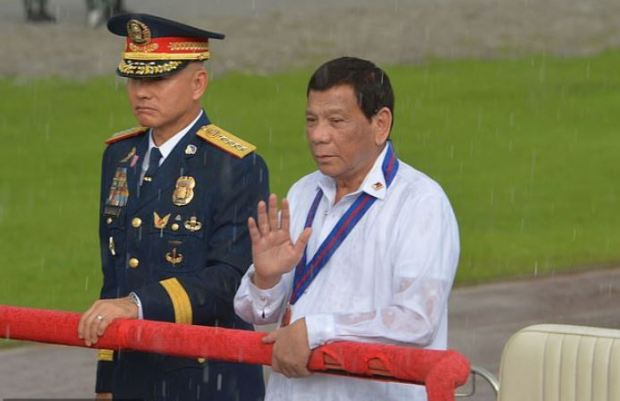 Oscar Albayalde [left], and Rodrigo Duterte 1.JPG