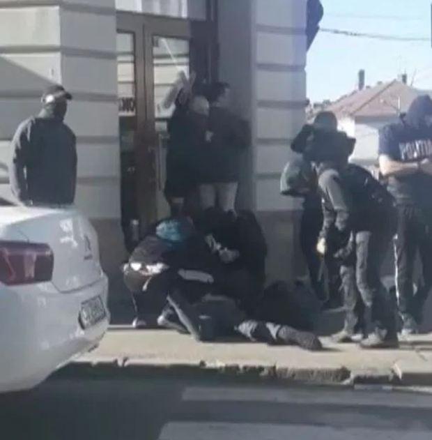 Shane O'Brien arrest in Romana 1.JPG