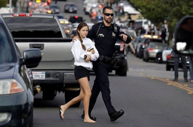 Students evacuate after California school shooting on Nov 14, 2019  3.JPG