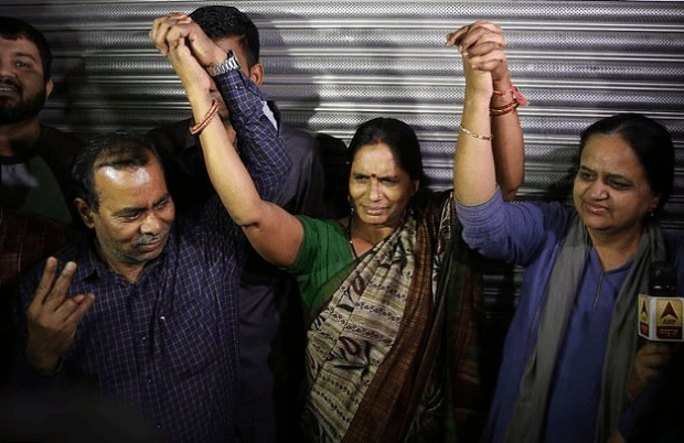 Asha Devi [center] 3