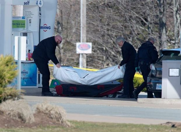 RCMP remove body of victim of mass shooting in Nova Scotia 1