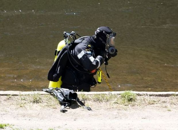 police divers scouring a reservoir less than a mile from Suzanne Morphew's property in Salida, Colorado 2