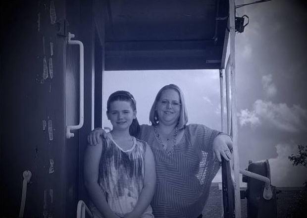 Alexa Haydel with her mother Michelle Chapman [right] 2