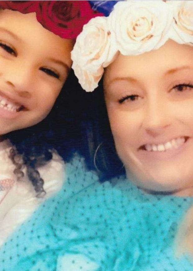Robin Howington aand her daughter Destiny Oliver 2