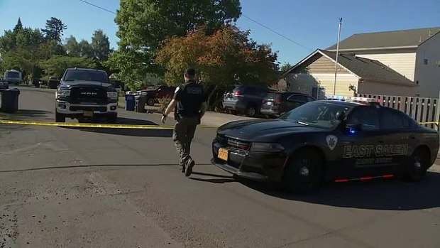 This image has an empty alt attribute; its file name is Police-opened-fire-during-a-hostage-situation-in-broad-daylight-in-Salem-Oregon-2.jpg