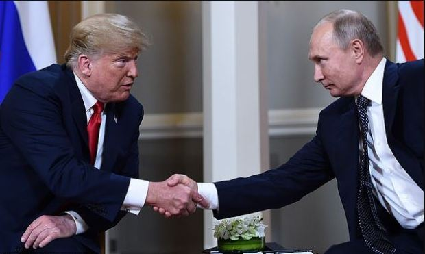 This image has an empty alt attribute; its file name is Donald-Trump-and-Vladimir-Putin-1.jpg