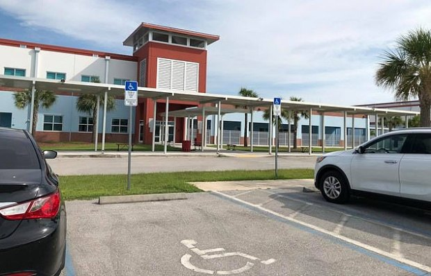 This image has an empty alt attribute; its file name is Harns-Marsh-Middle-School-in-Lehigh-Acres-Florida-1.jpg