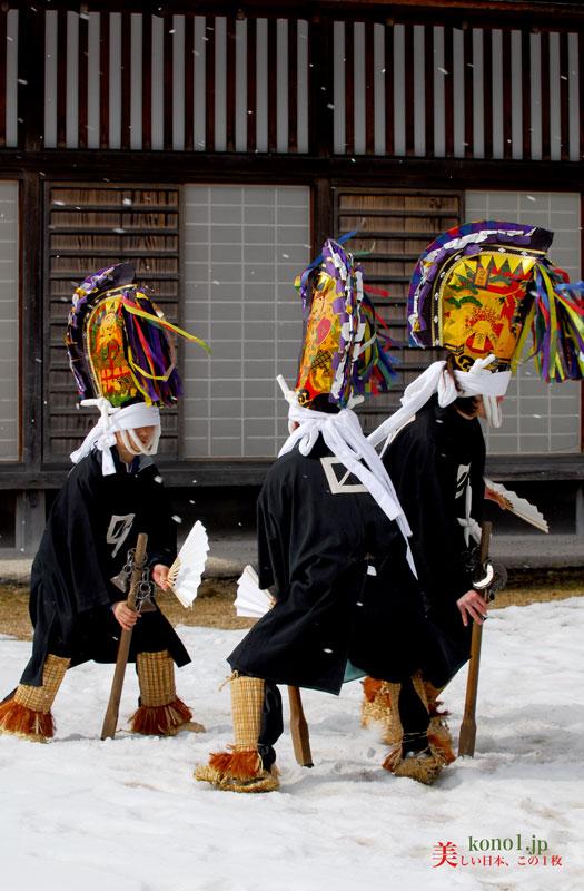 青森県 八戸 えんぶり 根城 2月 豊年祈願祭 雪 田植踊 摺る