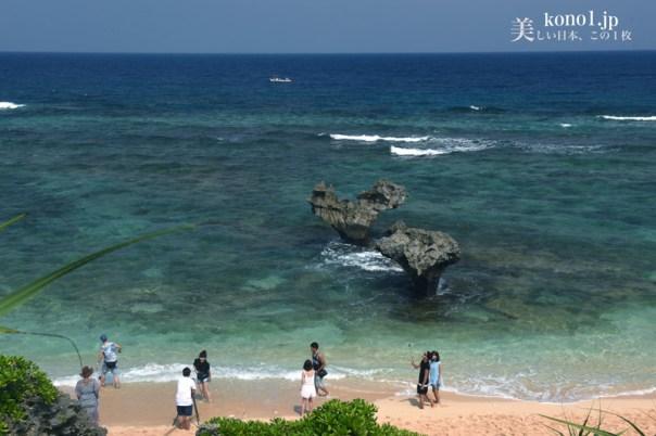 宮古島 古宇利島 ティーヌ浜 ハートのような岩 鯨の尾びれ 沖縄 海