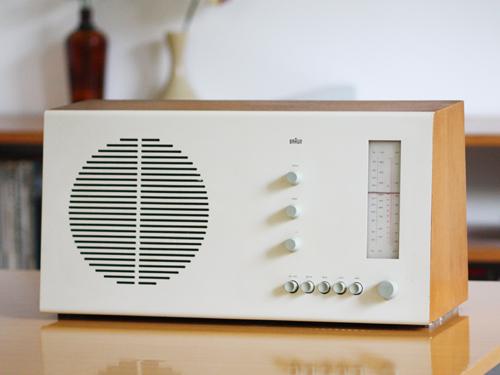 BRAUN社の真空管ラジオ