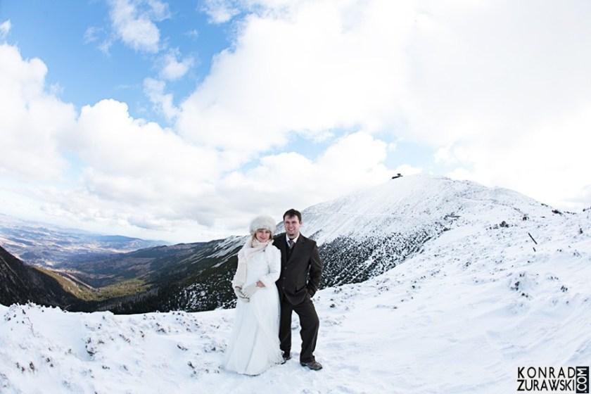 Urokliwe miejsce na ślubne zdjęcia - z widokiem na Śnieżkę | Konrad Żurawski