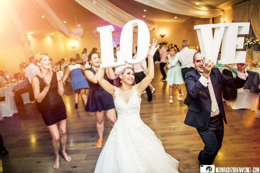 Wesele z wielkim Love, tańcom nie było końca | Zdjęcia w wykonaniu Konrada Żurawskiego