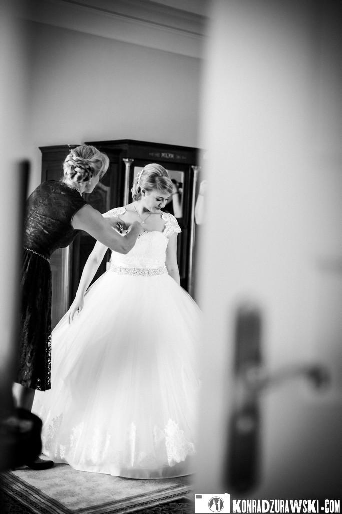 Ostatnie ślubne przygotowania do najważniejszej ceremonii w życiu   Fotograf ślubny Konrad Żurawski