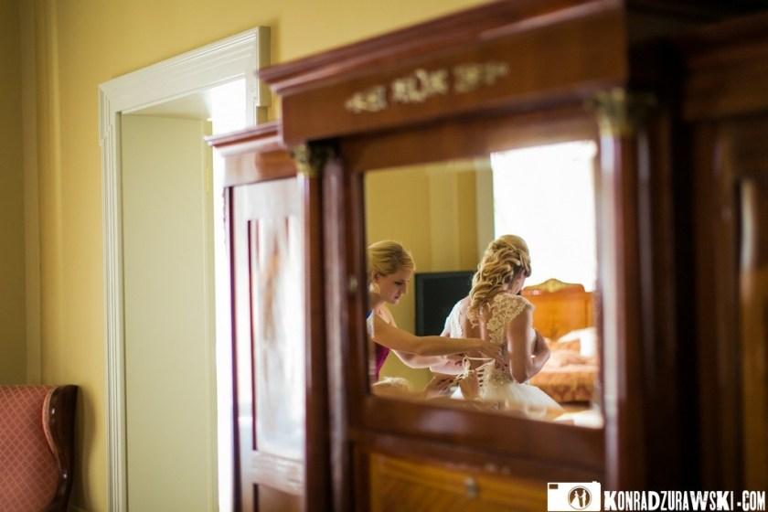 Piękna suknia ślubna będzie doskonale wyglądać na Jessi   Konrad Żurawski