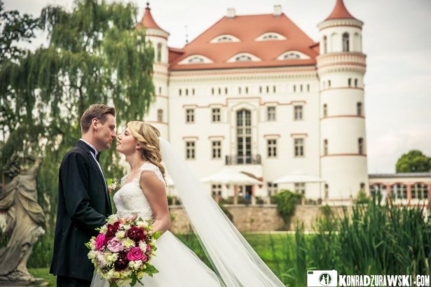 Jessi i Alex podczas sesji zdjęciowej w Pałacu w Wojanowie - idealne miejsce na zdjęcia ślubne   Konrad Żurawski