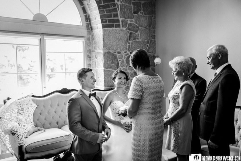 I jeszcze ostatnie słowa i błogosławieństwo od rodziców  sesja ślubna w Dubaju - Konrad Żurawski