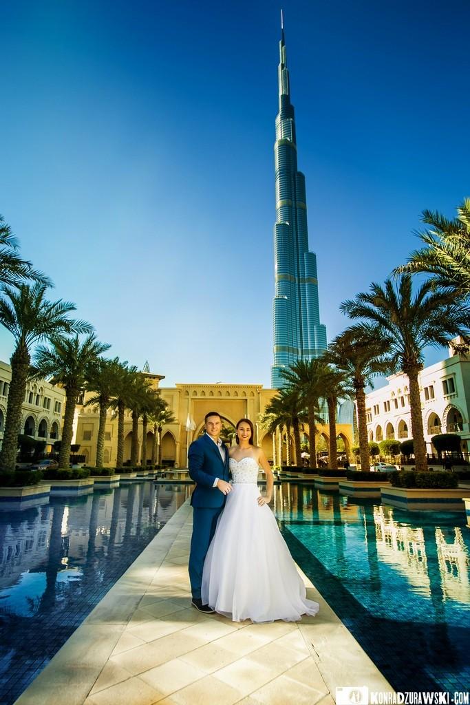 Dubaj znany jest z tego, że znajduje się tutaj najwyższy budynek na świecie - Burdż Chalifa   Konrad Żurawski
