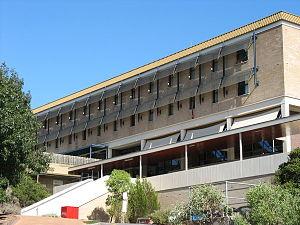 300px-Flindersunihall