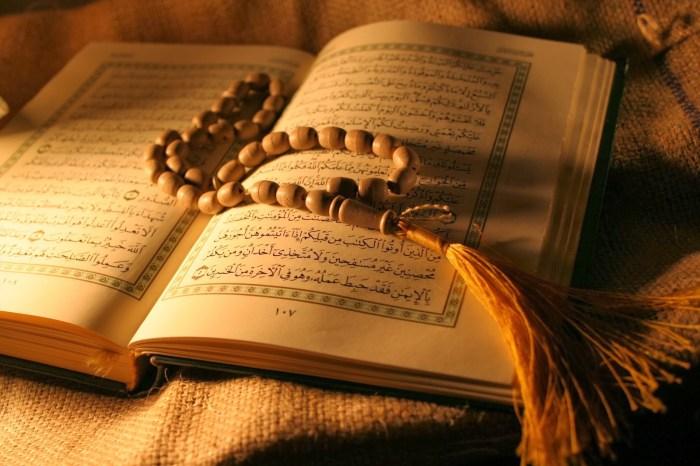 Bedah Tahlilan Bagian 1 Membaca Quran Yasin Hadiah Bagi