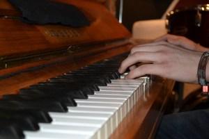 Demensdagcenter Byparken 17C søger en frivillig klaverspiller