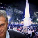 """Por lo menos un tercio de los argentinos quiere que Macri """"renuncie ya"""""""