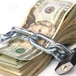 ¿Volvió el «cepo»? Los bancos en Argentina nuevamente disponen trabas para comprar dólares