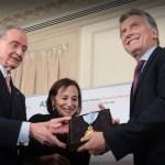 Macri fue distinguido con «Medalla de Oro» por banqueros usureros en EEUU en una institución fundada por David Rockefeller, el Council of the Americas