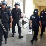 Como en dictadura: militarizan el Hospital Posadas y despiden a 120 trabajadores