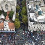 «El Gobierno y el FMI se están afanando un país entero». Más de 200.000 trabajadores se manifestaron contra Macri