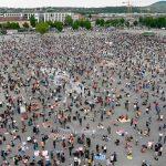 Miles de alemanes protestaron contra las restricciones por Covid-19 y las propuestas de vacunación masiva de Bill Gates