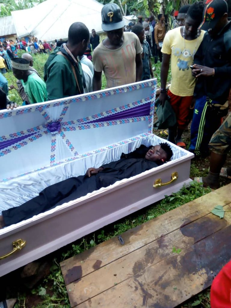 This one was killed in Bali - NW region, yesterday sun 14 Apr 2019 by the Cameroon Military