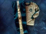 pakaian olahraga sekolah