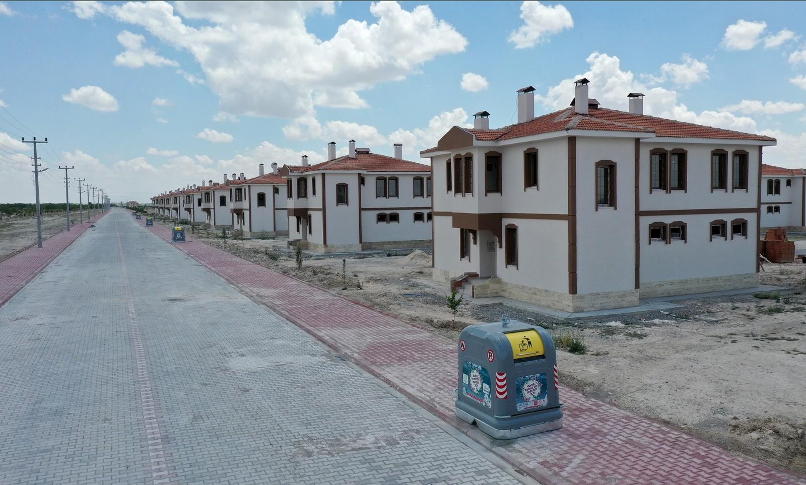 Konya Büyükşehir Dedemli Yerleşkesinde yol çalışmalarını tamamladı