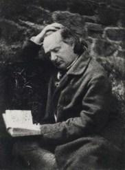 Az olvasgató Victor Hugo az 1850-es években; forrás: wikipedia