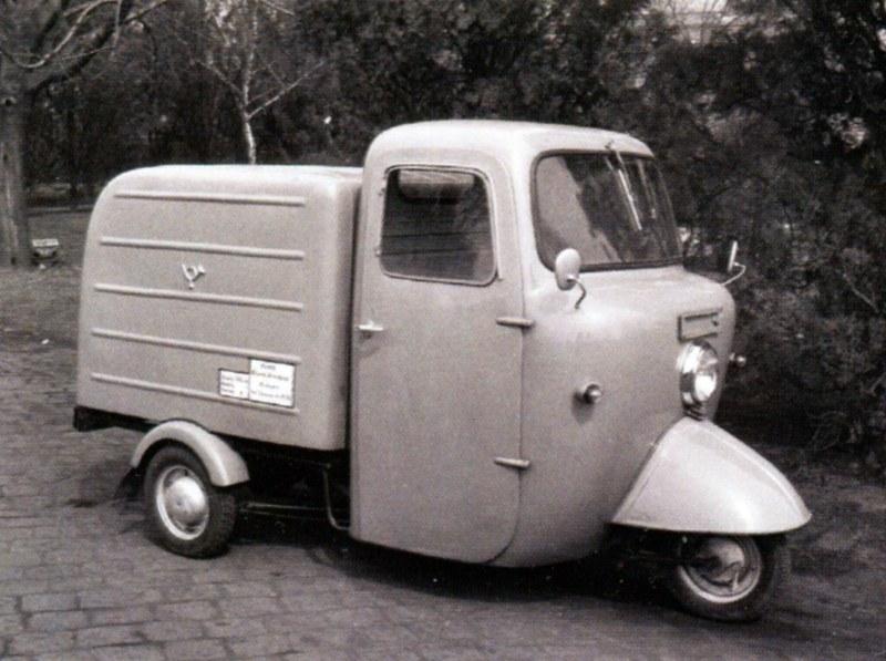 A Járműtelep dolgozói által készített háromkerekű Posta-Roti