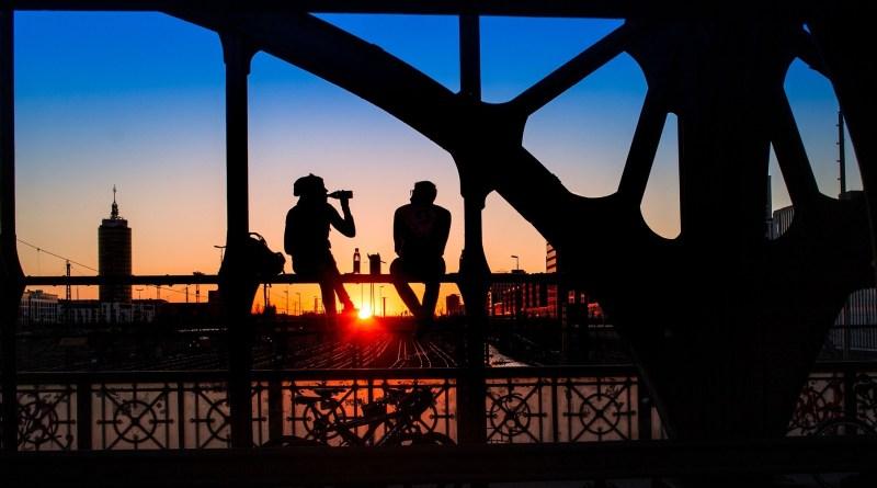 silhouette-pixabay.com