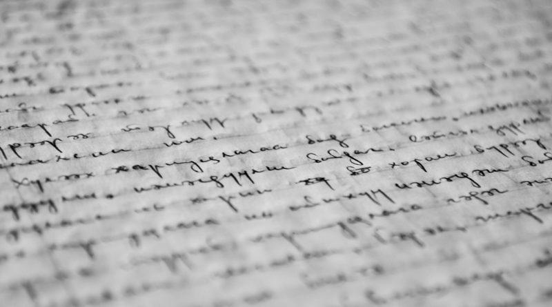 kézírásos papírlap