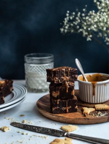 brownie maapähklivõi ja soolakaramelliga