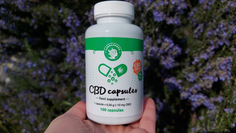 THE BEST CBD CAPSULES TO TAKE IN 2021 – COMPLETE GUIDE