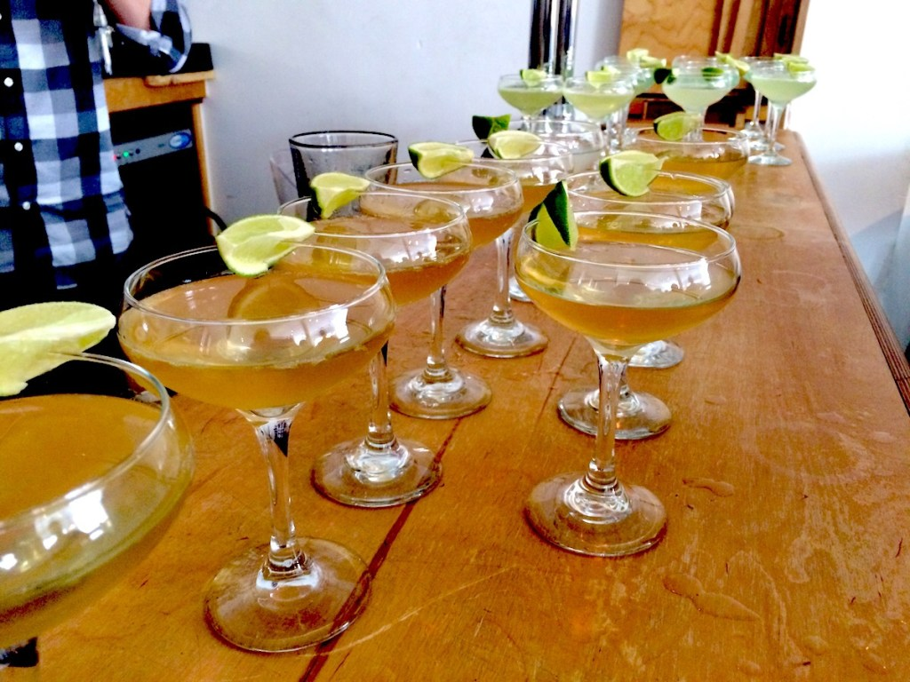 Ready-made cocktails on the bar