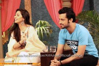 Atif Aslam & Mahira Khan at Utho Jago Pakistan - May 2011 (13)
