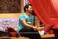 Atif Aslam & Mahira Khan at Utho Jago Pakistan - May 2011 (25)