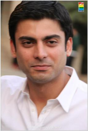 Fawad Khan Meets The Fans of Zindagi Gulzar Hai (15)