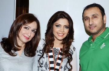 Launch of Hadiqa Kiani Fabric World (16)