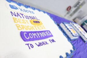 """BB cake Reunión anual del equipo 12 300x200 - Koops entre las """"mejores y más brillantes empresas para trabajar"""" a nivel nacional"""